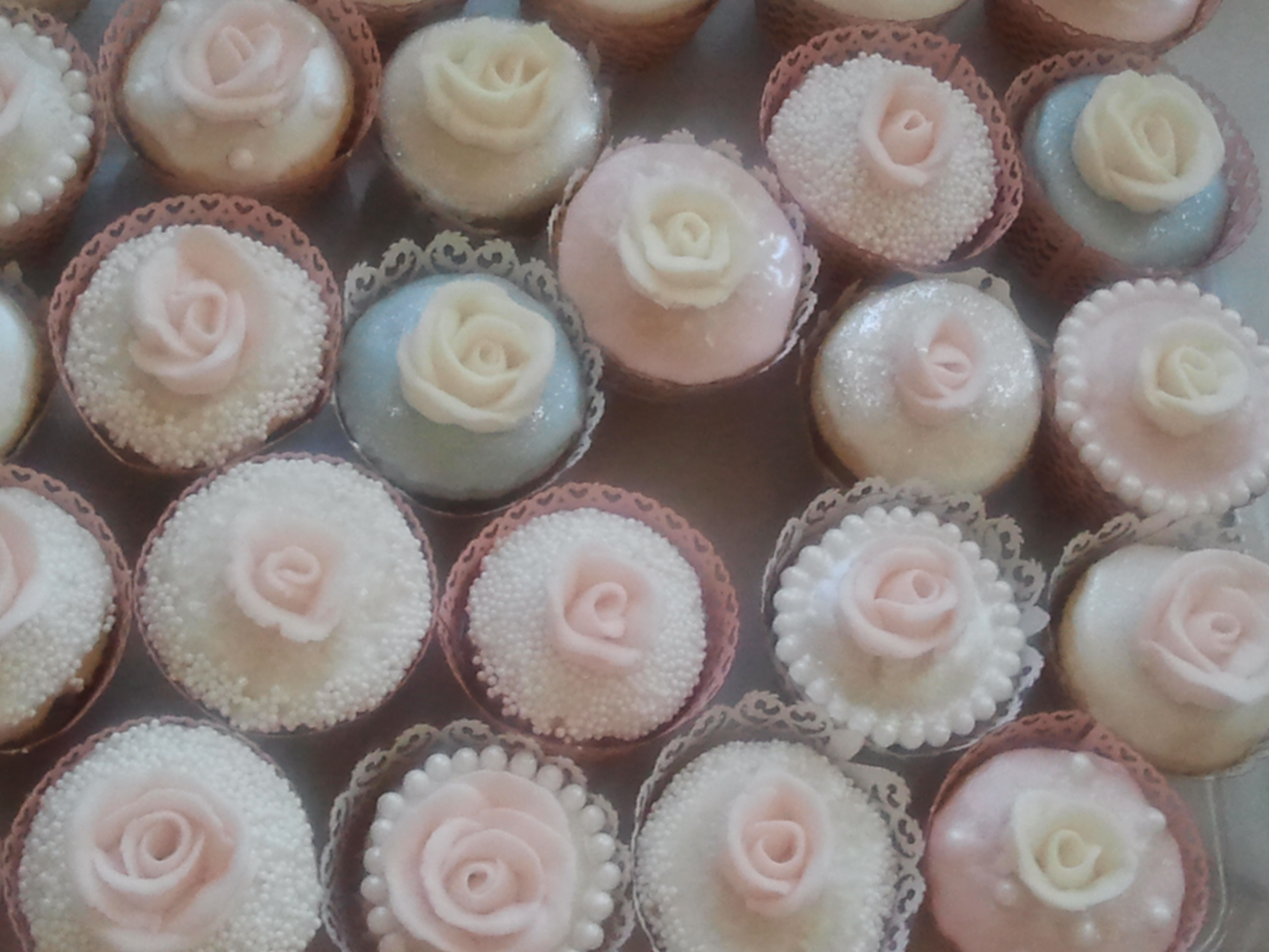 Mini Wasted Rosebud Cupcakes for a wedding - Wasted Desserts