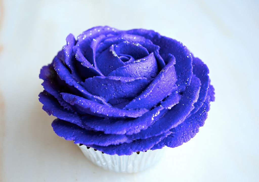 buttercream rose cupcakes